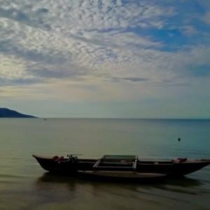dingo-beach-boat